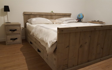 Bed model B met lades